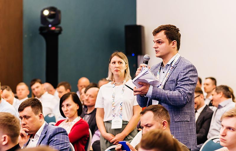 Лев Лихачёв на Саммите зообизнеса России