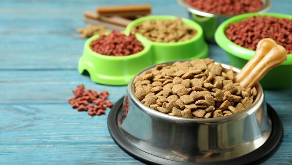 Petfood Industry составил топ-10 производителей кормов для домашних животных